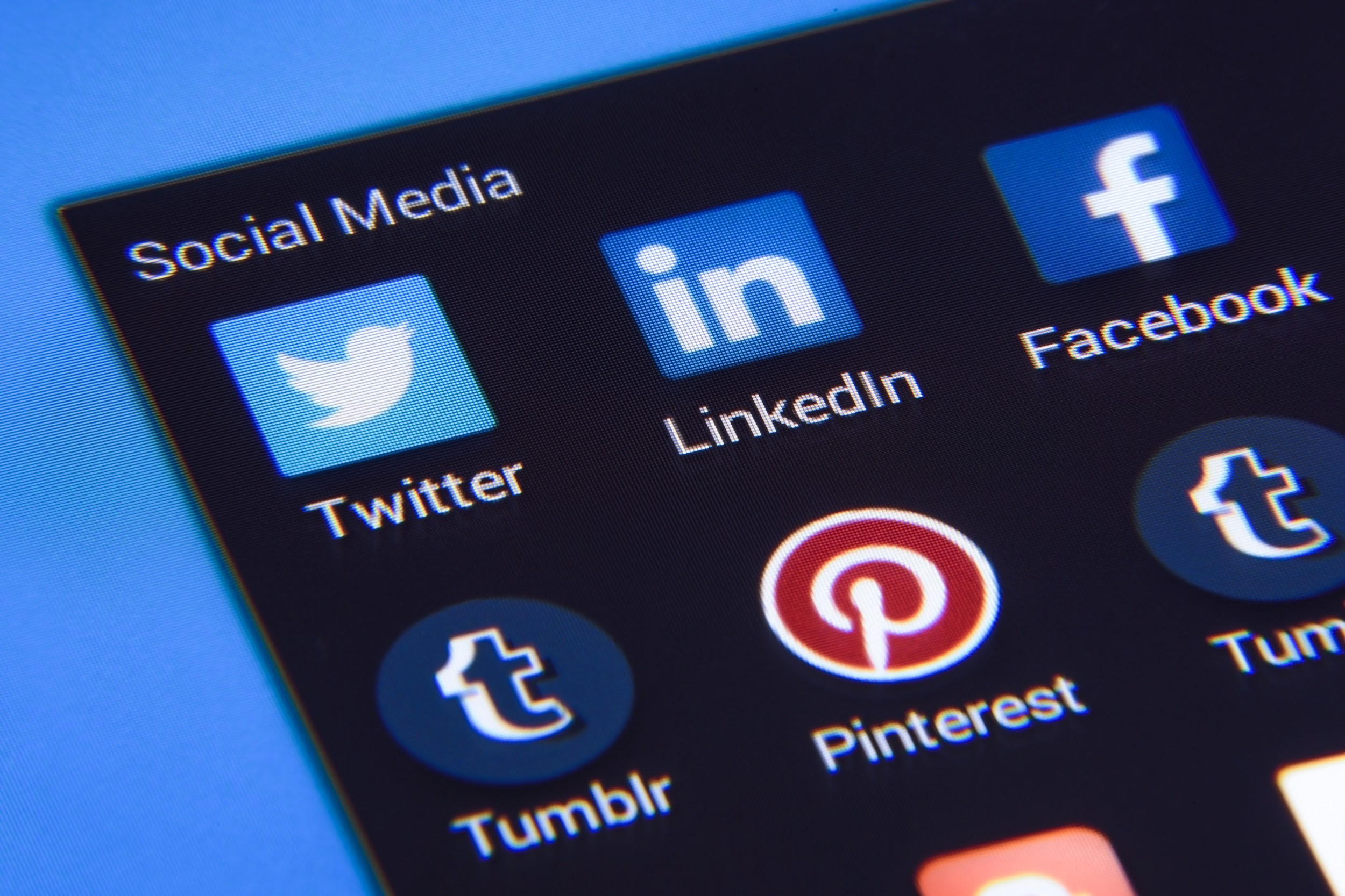 Don't Overlook Social Media in your Internet Marketing campaign!
