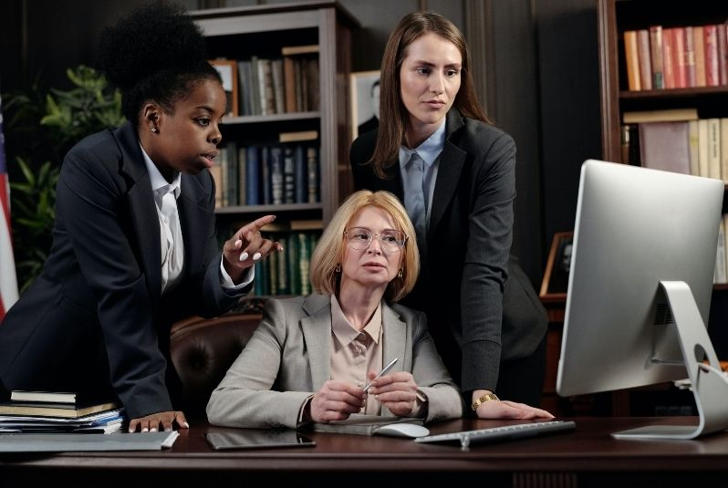 How Can A Legal Firm Avoid Digital Marketing Blunders?